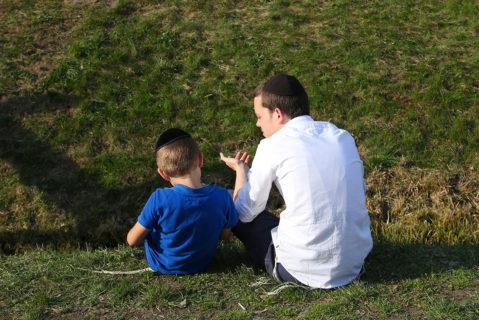 Zwei Jungen mit Kippa