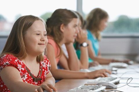Gymnasien, an denen Kinder mit geistigen Behinderungen lernen, sind selten, aber es gibt sie.