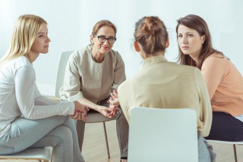 Schulpsychologische Fachkräfte kümmern sich in erster Linie um Kinder und Jugendliche. Was viele nicht wissen: Sie helfen auch bei persönlichen Problemen der Lehrerinnen und Lehrer oder bei Krisen im Kollegium.