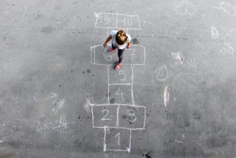 Kinder, Eltern und Lehrkräfte - im Schulsekretariat laufen alle Fäden zusammen.
