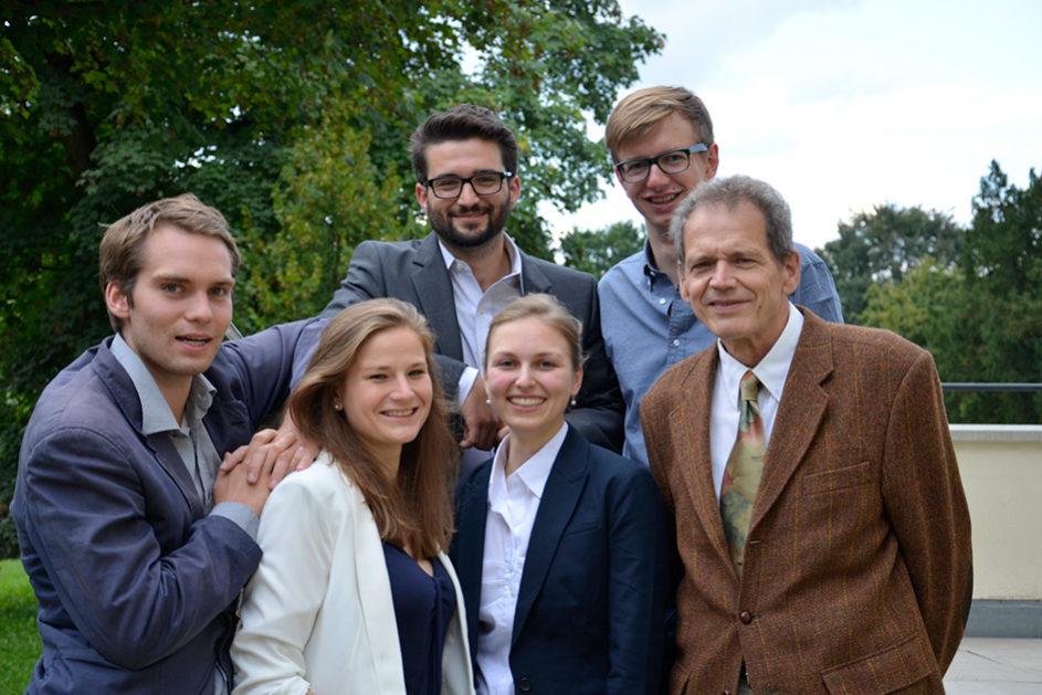 Das ist die Joseph-Gruppe heute: (von links nach rechts) Simon Strauß, Pia Sösemann, Fabian Herbst, Dorothea Ludwig, Simon Warnach, Albrecht Hoppe