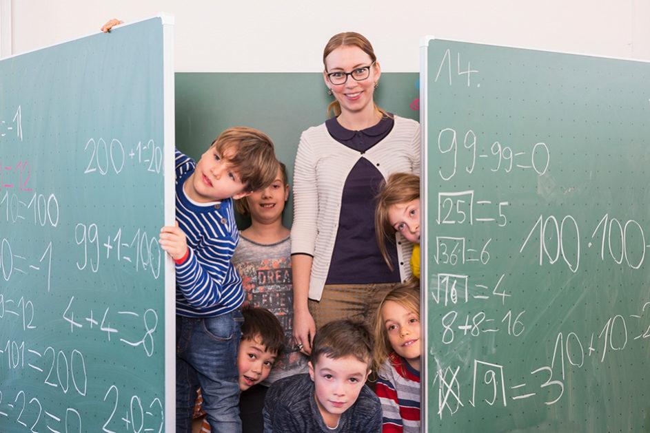 Jenseits aller Kritik können Quereinsteigerinnen und Quereinsteiger auch Chancen für Schule und Unterricht bedeuten, ist Pädagoge Heinz-Elmar Tenorth überzeugt.