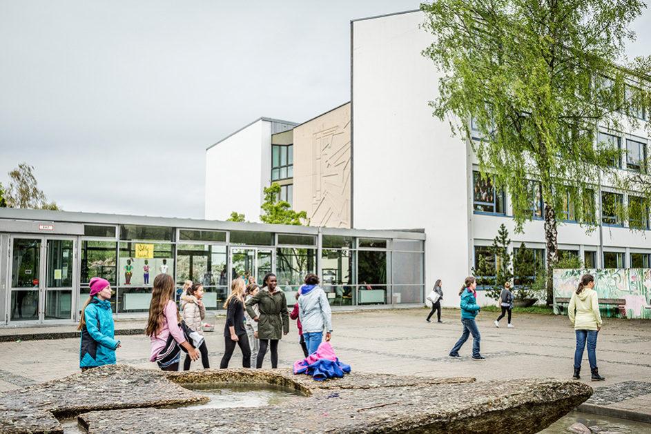 Die Gewinnerschule des Deutschen Schulpreises 2014, die Anne-Frank-Realschule in München, setzt das Lernhauskonzept bereits erfolgreich um.