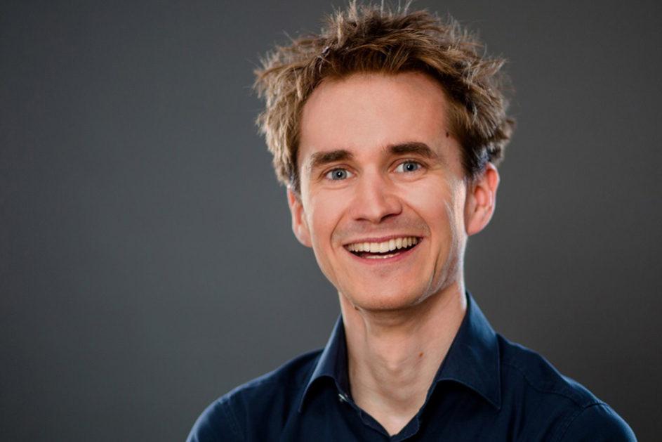 Neurobiologe Henning Beck ist Forscher, Autor, Redner und Science Slammer.