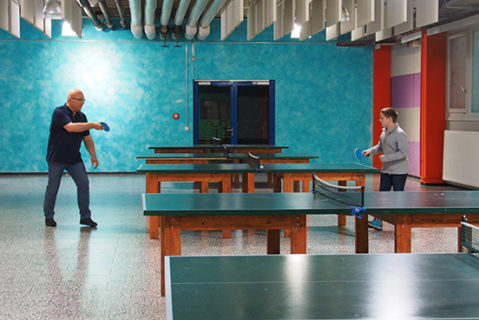 Zeit mit Papa in der Schule verbringen: Dank der Gruppenstunden mit Eltern ist das am Robert-Bosch-Gymnasium in Hildesheim möglich.