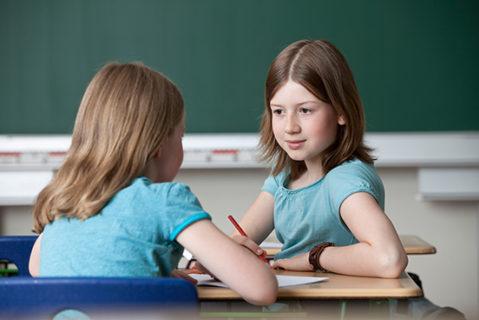 Um den Unterricht an Grund- und Mittelschulen abzudecken, werden in Bayern Gymnasial- und Realschullehrer umqualifiziert.