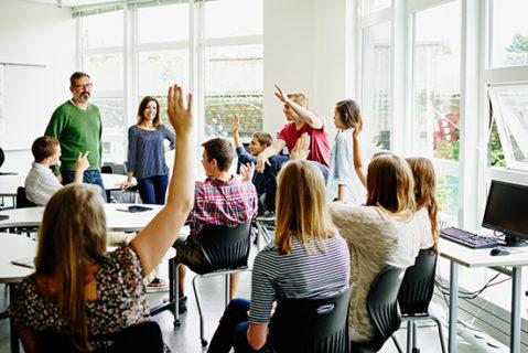 Lehrerinnen und Lehrer werden im Klassenzimmer zu Teamplayern.