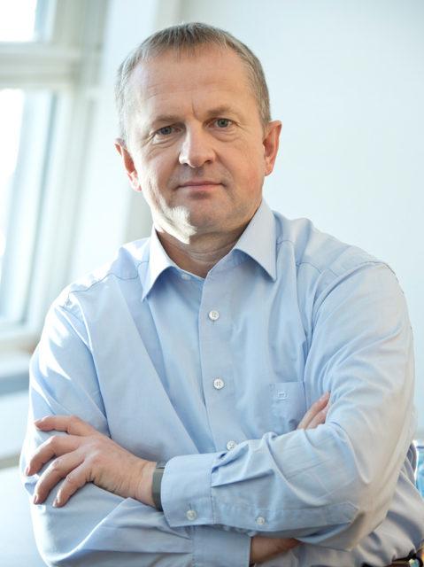 Udo Michallik (CDU) ist Generalsekretär der Kultusministerkonferenz. Er fordert mehr Verbindlichkeit durch einen Staatsvertrag.