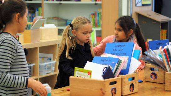Im Unterricht haben die Schülerinnen und Schüler Entscheidungsfreiheiten und eigene Verantwortung für ihr Lernen.