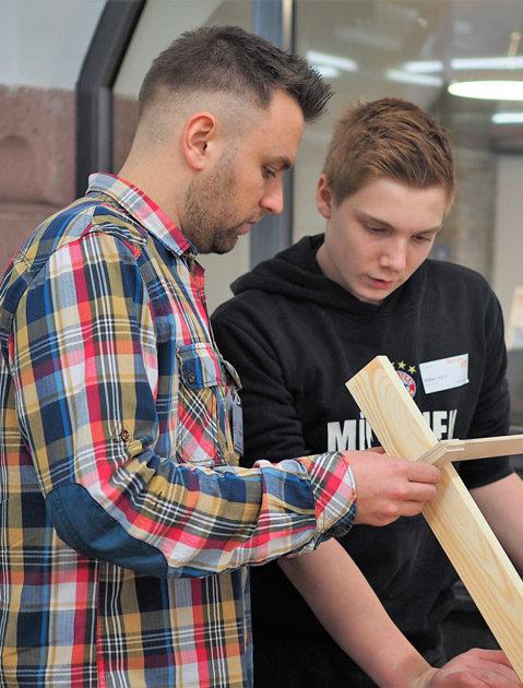 In der Werkstatt zum Bereich Holztechnik.