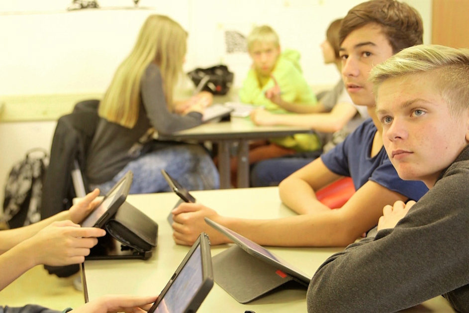 Gemeinsam wird eine Mind-Map zum Unterrichtsthema erarbeitet.