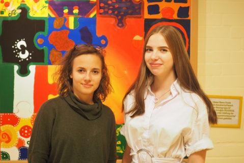 Für Nina und Rebecca führt die Möglichkeit des Feedbacks auch zu einem besseren Verhältnis zu ihren Lehrkräften.