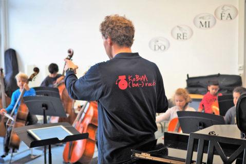 Dem Kooperationspartner (Musikschule des Landkreises Alzey-Worms) steht ein eigener Raum in der Schule zur Verfügung.