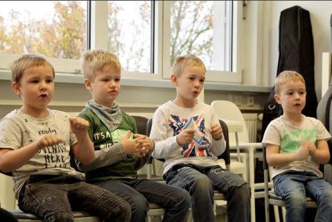 Durch Solmisation wird in der ersten Klasse der Grundstein zum inneren Hören gelegt.