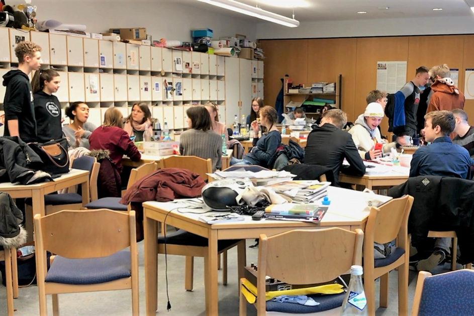 Auch das Lehrerzimmer ist am Aktionstag von den Schülerinnen und Schülern besetzt.