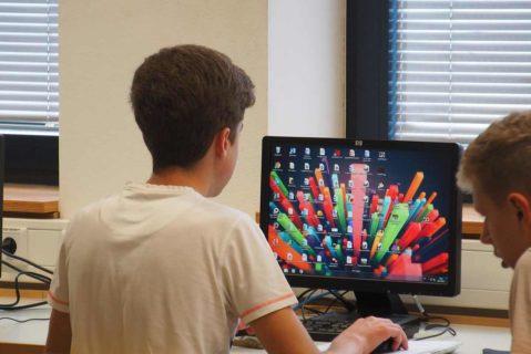 Die Freiherr-vom-Stein-Gemeinschaftsschule ist eine digitale Schule: Der Umgang mit PC, Tablet und Smartphone ist fester Bestandteil des Unterrichts.