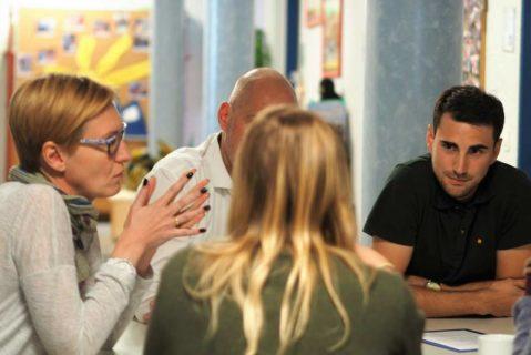 Die Diskussionen bereichern das Team und führen zu einem gemeinsamen Verständnis von Unterricht und Schule.