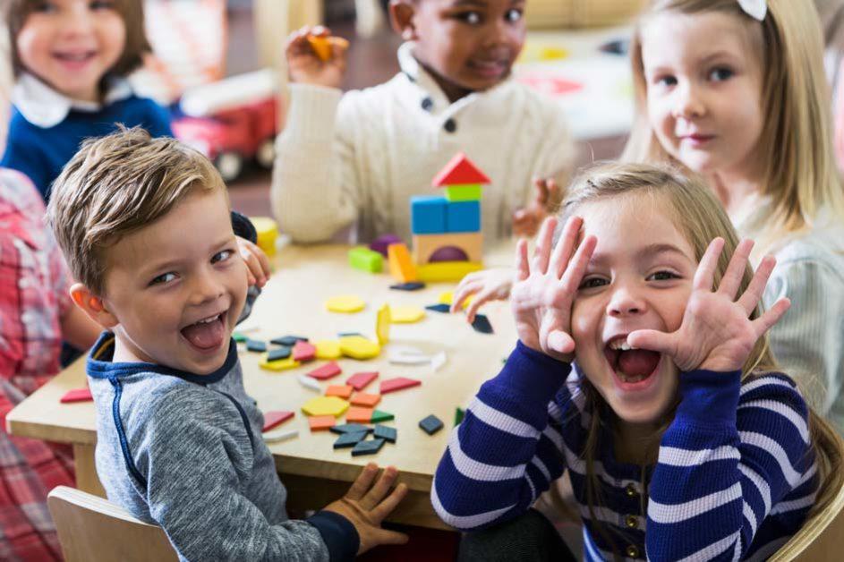 Auch Farben und Formen stehen für Kinder ab drei Jahren auf dem Programm der Ecole Maternelle in Frankreich.