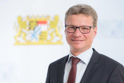 Bernd Sibler (CDU), Bayerns neuer Staatsminister für Kultus und Bildung, warnt vor Aktionismus bei der Reform der Kultusministerkonferenz.
