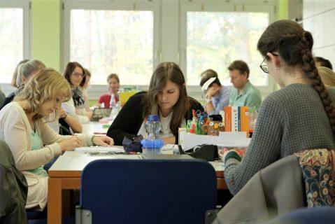 Wichtige Termine werden im Kollegium angesprochen und abgestimmt.