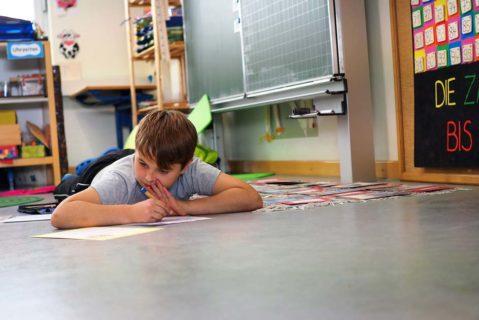 Genug Freiheit, um Bewegungsdrang auch während der Lernzeit nachzugehen.