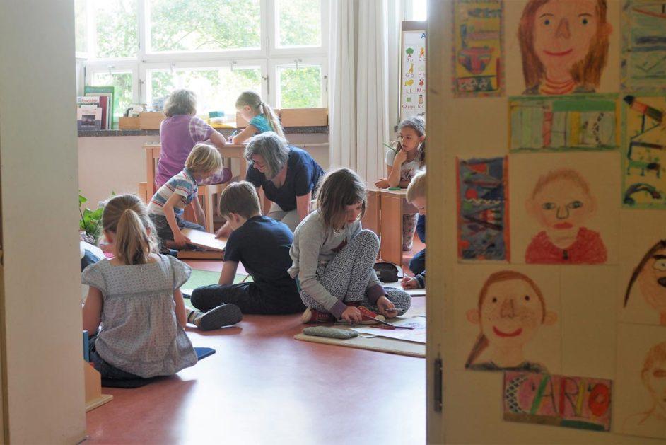 Offene Türen gehören zum Prinzip an der Montessori Oberschule Potsdam.