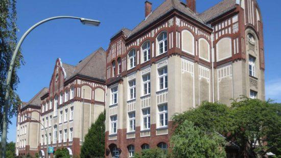 Außenansicht der ehemaligen Teske-Schule in Berlin.
