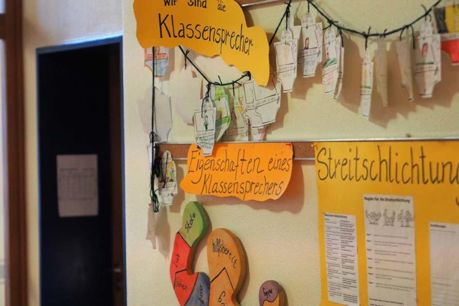 Das gemeinsame Verständnis der Schule spiegelt sich im gesamten Schulgebäude wieder.