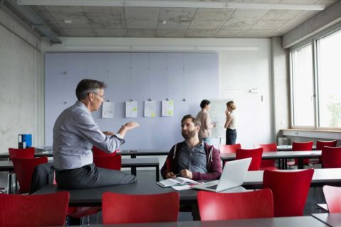 Vom Umgang mit Schülerinnen und Schülern bis zur Verwaltung der Schule: Die befragten Schulleiter bewerten ihre Arbeit als durchweg erfolgreich.