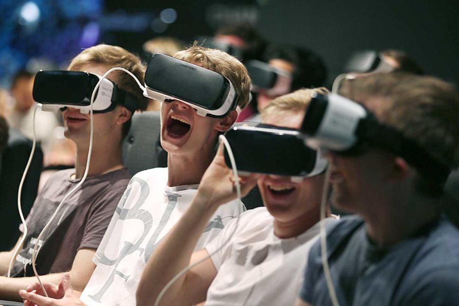 Gamer nutzen VR-Brillen schon lange. In naher Zukunft sollen sie auch an den bayerischen Schulen eingesetzt werden - wenn die Infrastruktur stimmt.