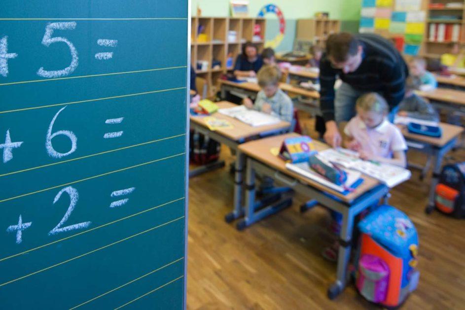 Deutschlandweit leisten viele Lehrkräfte regelmäßig Überstunden.