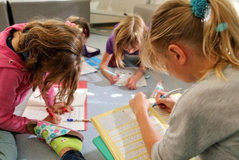 Systematisches Üben der Buchstaben ist nur eine Möglichkeit, Schreiben zu lernen.