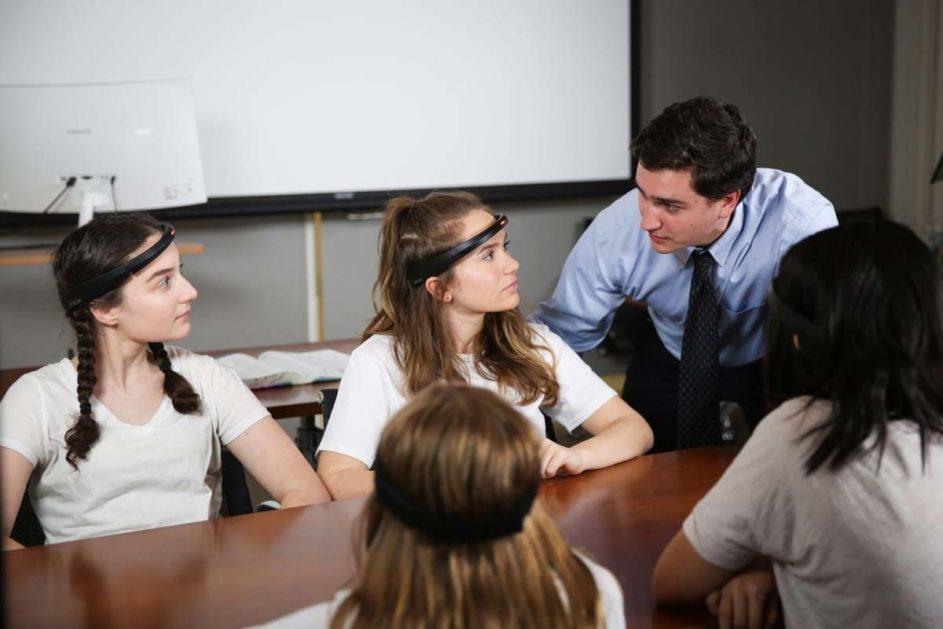 EEG-Stirnbänder der Firma BrainCo (Firmenbild)