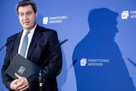 Markus Söder (CSU), Ministerpräsident von Bayern, gibt vor der Sitzung des Vermittlungsausschusses ein Pressestatement ab
