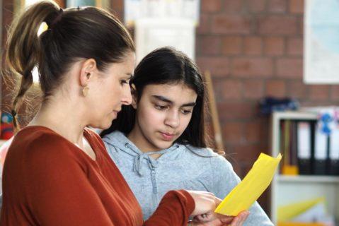 Die Schülerinnen und Schüler sollen ihr Lernen selbst in die Hand nehmen. Dabei stehen ihnen die Lehrkräfte als Coaches zur Seite.