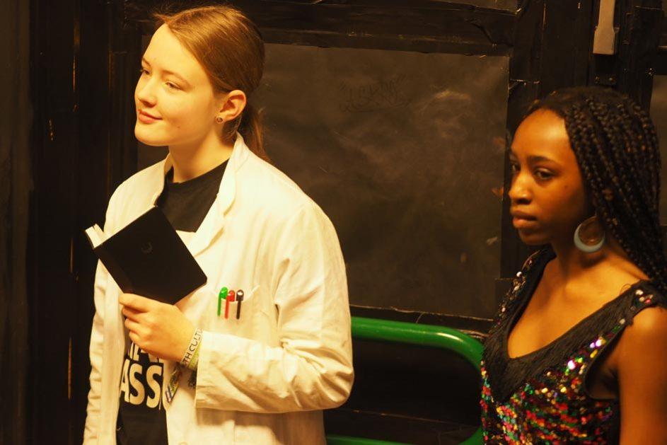 Zwei Schülerinnen