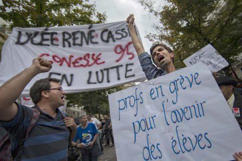 """Lehrer auf einer """"Fridays for Future""""-Demo in Frankreich"""