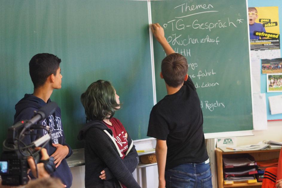 Jeder Bereich an der Schule ist in eigenverantwortlichen, größtenteils unabhängigen Einheiten organisiert.