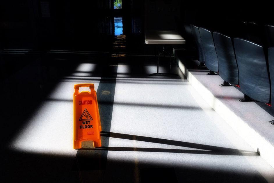 Wet Floor – Warnschild